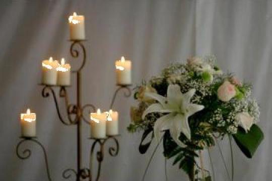 Suporti lumanari si flori de la Gold Event