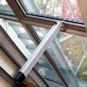 Sistem automat de deschidere a geamurilor SP8