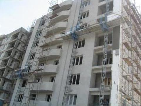 Inchiriere schela exterioara pentru constructii, fatade de la Azzurra Piattaforme
