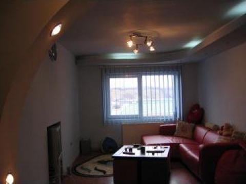 Apartament de 3 camere decomandate Pucioasa