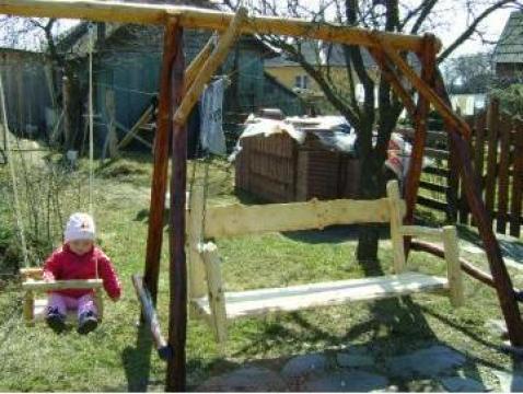 Balansoar din lemn de brad de la I.I. Benedek Csongor-Jozsef