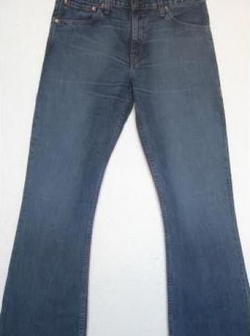 Jeans Levi Strauss de la Factory Outlet