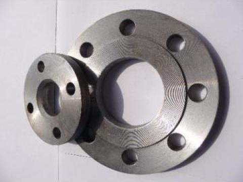 Flanse otel, simple sau cu gat de la S.c. Metal Med S.r.l.