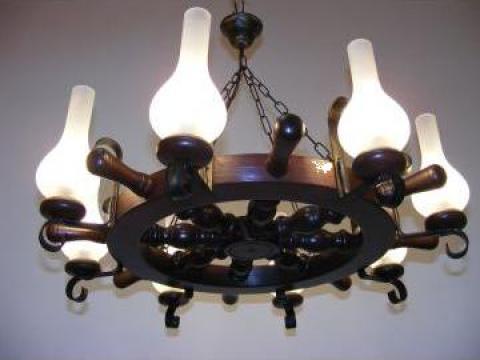 Lustra Timona 8 brate, lemn wenge, lampa gaz mat de la Exodus Lighting Srl