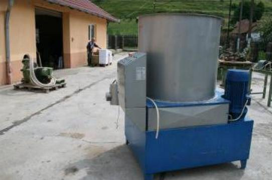 Masina hidraulica automata pentru brichetat rumegus de la SN Deco SRL