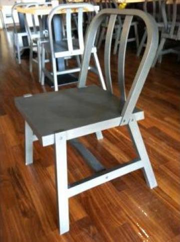 Scaun din lemn masiv pentru restaurant sau bar de la Doua Linii Srl