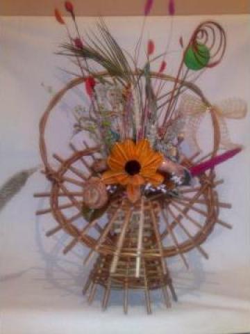 Cos cu flori uscate de la PFA Mihaela N. Mocanu