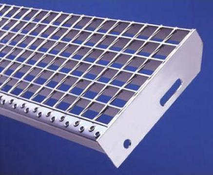 Trepte metalice zincate termic sp de la Dovexim S.r.l.