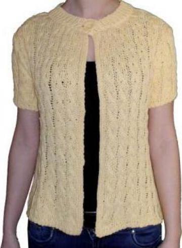 Bluza tricotata, maneca scurta, la baza gatului de la Standonline.ro