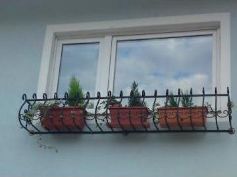 Jardiniera pentru givece cu flori de la Forjart Srl