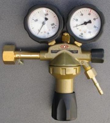 Regulator reductor presiune azot 50bar de la Maktimpex Srl