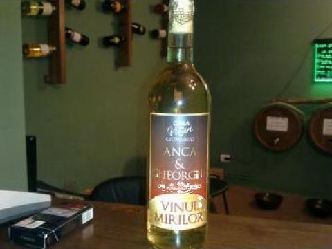 Sticla vin personalizata pentru orice eveniment de la Casa De Vinuri Ciumbrud