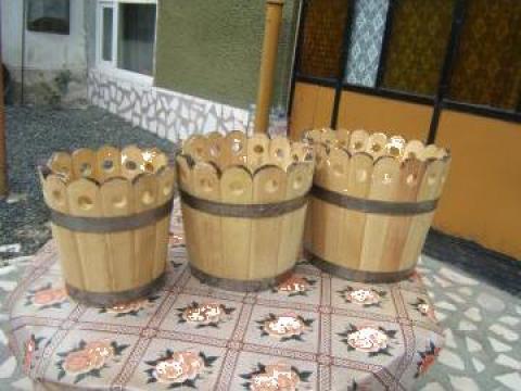 Vaze de flori din lemn de la PFA Virciu Craciun