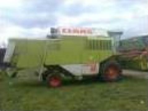 Combina agricola Claas Dominator 98SL de la
