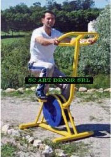 Echipament pentru exercitii fizice de exterior de la Art Decor Srl