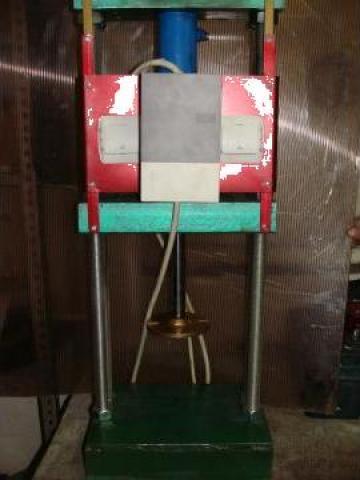 Presa hidraulica de laborator PME 5000