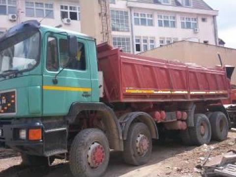 Camion Man 8x8, 1993 basculabil 3 parti de la Struti Valea-Seaca Srl.