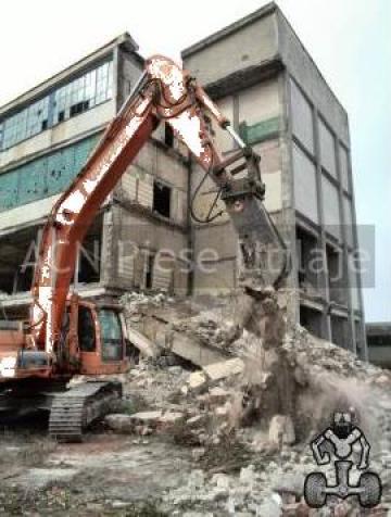 Inchiriere excavator cu foarfeca hidraulic de la ACN Piese Utilaje