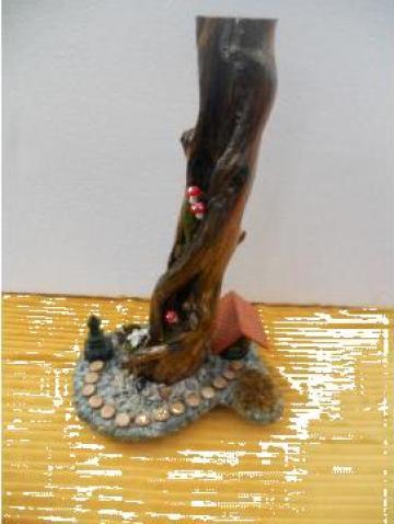 Obiect de artizanat din radacini si crengi de copaci de la