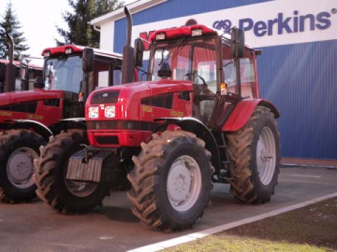 Tractor Belarus 1221.3 de la Electrotools Srl
