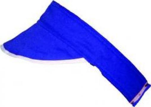 Banda albastra cu cozoroc de pus pe cap