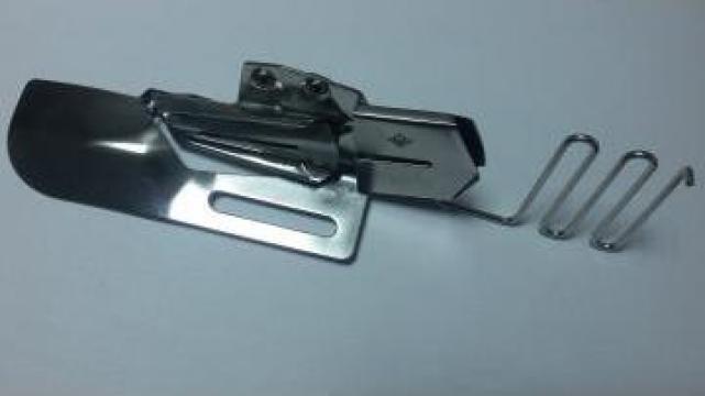 Dispozitiv aplicat bentita KHF711 de la Masini De Cusut Industriale A Eol Srl