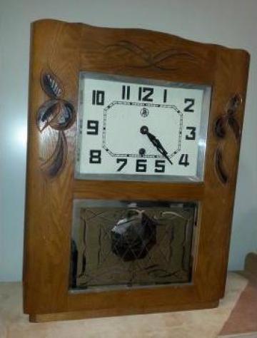 Ceas antic cu pendula din anii 1930, ER001 de la