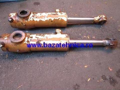 Reparatii cilindru hidraulic excavator de la Baza Tehnica Alfa Srl