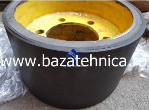 Cauciucare roata utilaj fi300 x fi 330 x L 200 mm de la Baza Tehnica Alfa Srl