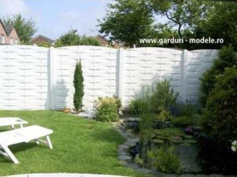 Gard placi prefabricate beton lemn impletit de la Amonra Sun Srl
