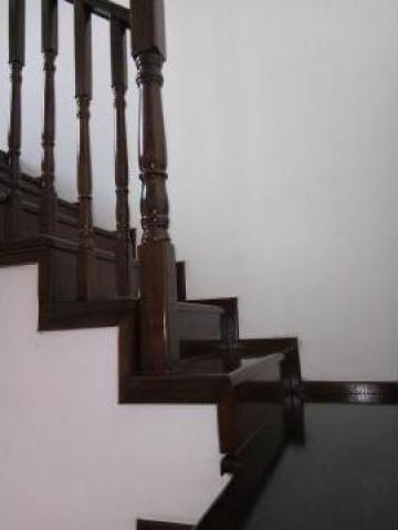 Balustrada din lemn masiv nuc