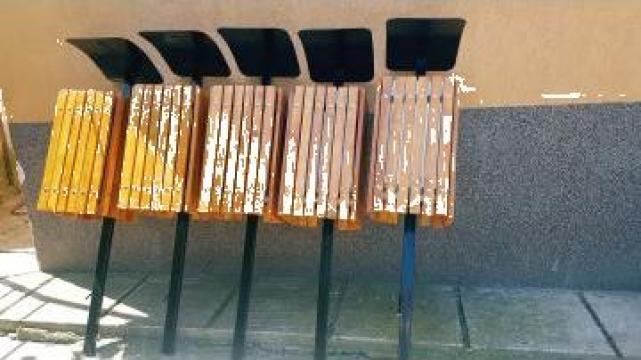 Cosuri de gunoi patrate cu picior metalic O342 de la Ygrocris Dorally Steel Srl