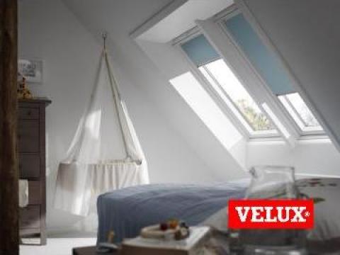 Fereastra de mansarda Velux cu un strat de poliuretan de la Sc Ellcor Roof Srl-d