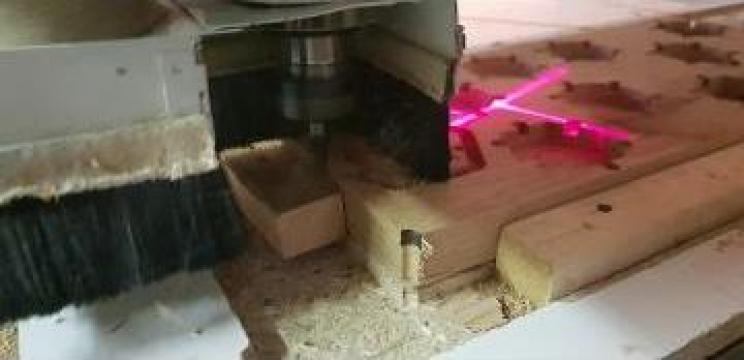 Rutare lemn de la Hexi Center Srl
