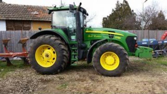 Tractor John Deere 7730 de la Ivagro Srl