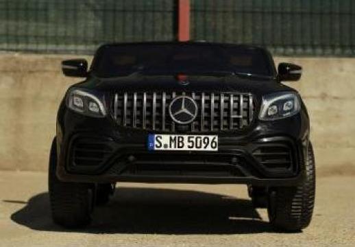 Masinuta electrica pentru 2 copii Mercedes GLC63s 180W de la SSP Kinderauto & Beauty Srl
