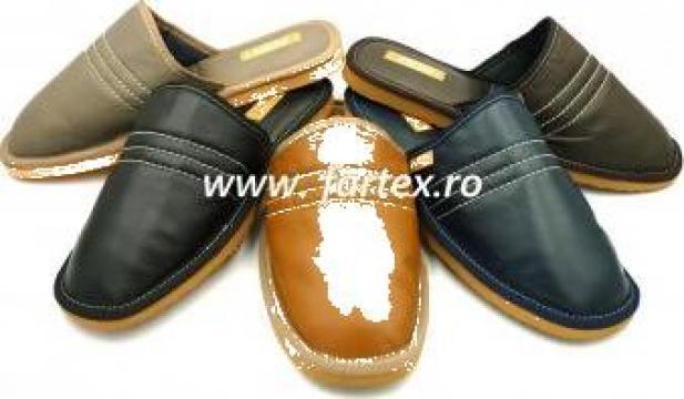 Papuci de casa barbati din piele naturala de la Fartex Collection Srl