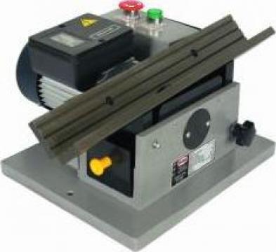 Masina de tesit metal SH-80/5 de la Proma Machinery Srl.