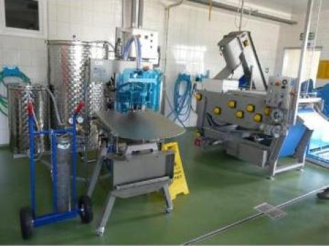 Linie automata suc de mere/alte fructe si legume-350 litri de la Stelas Distribution SRL