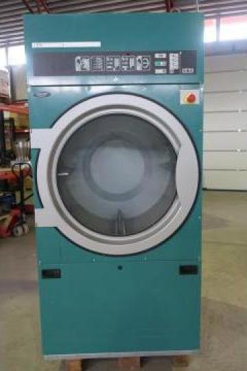 Uscator industrial textile Electrolux de la S.c. Dewal Invest S.r.l.