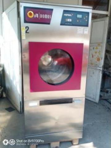 Uscator industrial textile Domus - 26 kg de la S.c. Dewal Invest S.r.l.