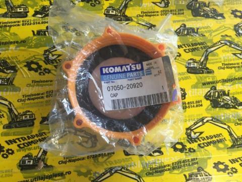 Buson rezervor Komatsu WB97 - 42N-04-11220 de la Intrapart Company Srl