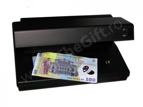 Detector de bani cu raze U.V.