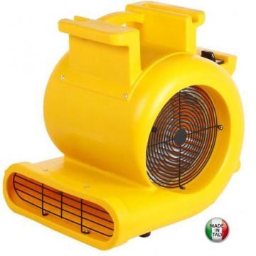 Ventilator industrial CD5000 cu priza suplimentara de la Tehno Center Int Srl