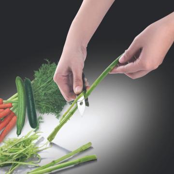 Peeler pentru legume si fructe I Genietti