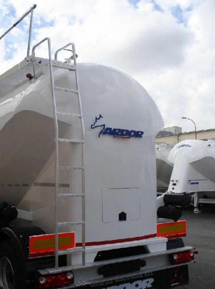 Scara aluminiu acces silo-vehicul