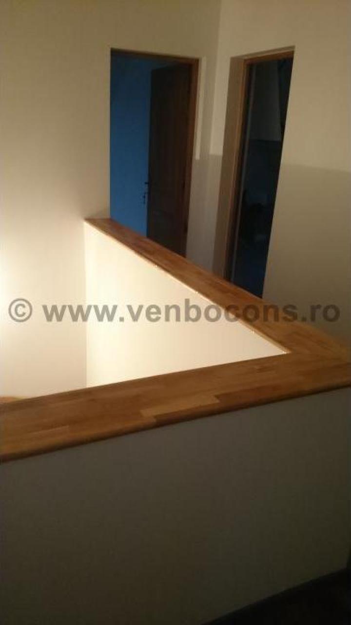 Placare parapeti interiori cu blaturi din lemn masiv