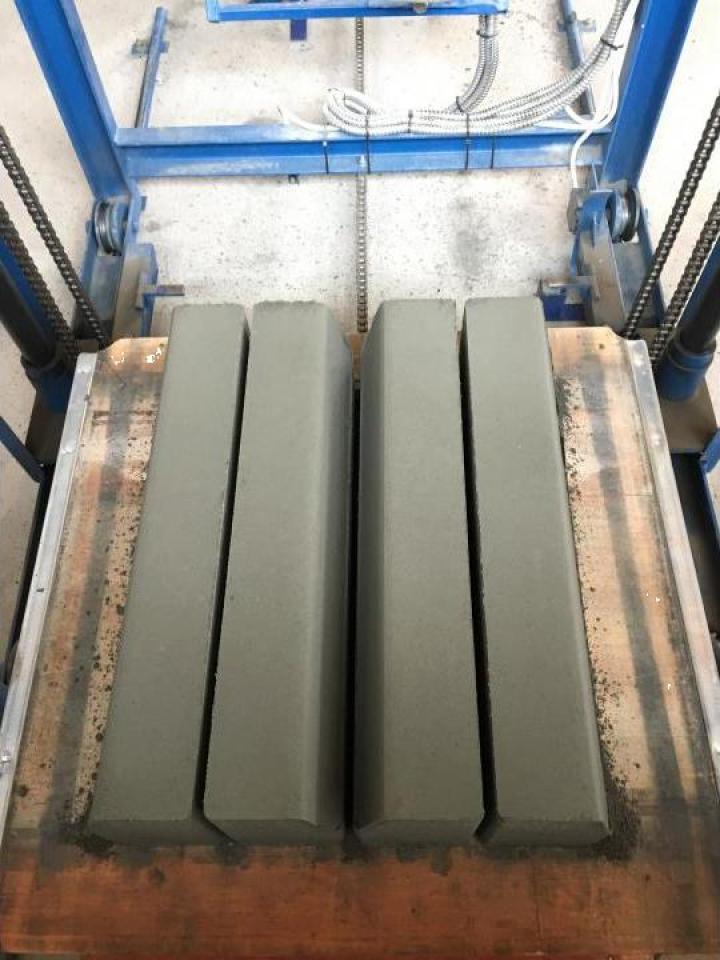 Borduri vibropresate din beton