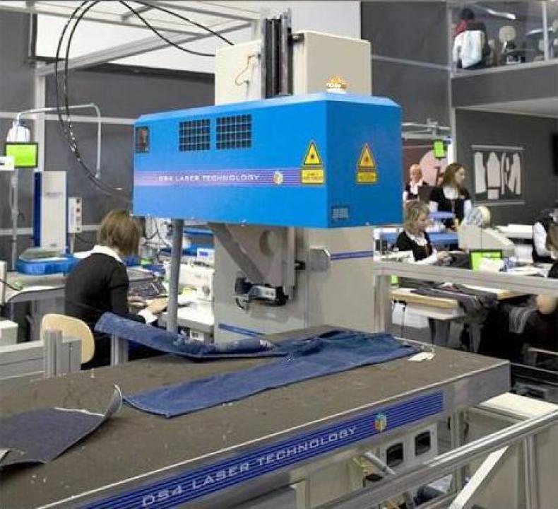 Masina laser prentru gravare si taiere DS4 Freestyle 3 CO2