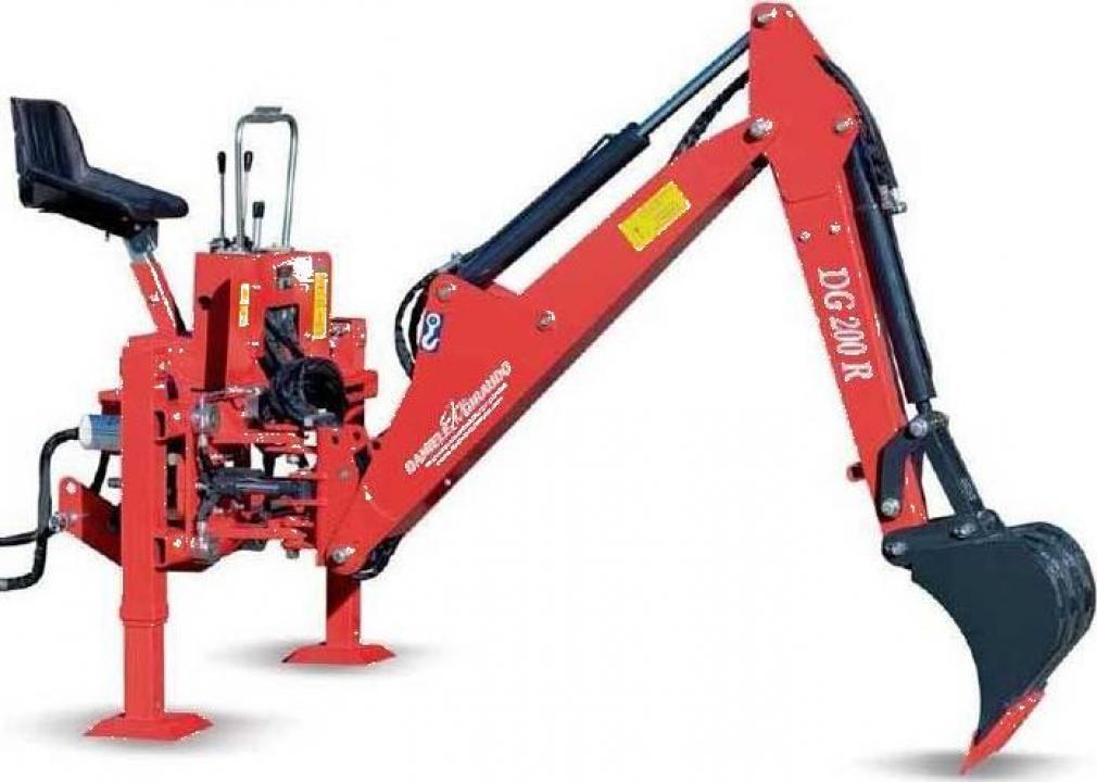 Retroexcavator Daniele & Giraudo DG50R, 15-35 CP